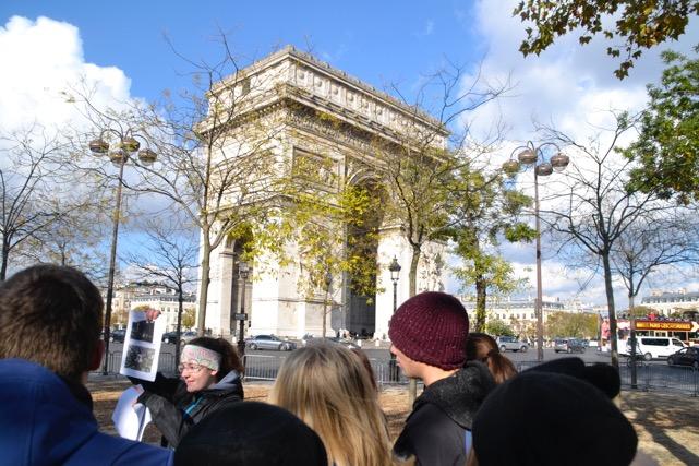 Besuch des arc de triomphe in Paris